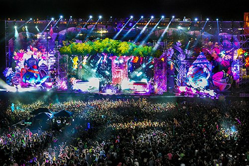 nocturnal-wonderland-tree-stage
