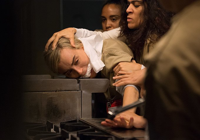 Things Don't Look Great For Piper In Orange Is The New Black Season 4 Photos