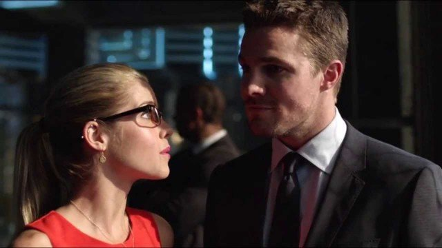 Arrow Season 3 Premiere Synopsis Promises Romance And Danger