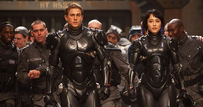 Charlie Hunnam Wants Less Effects-Heavy, More Focused Pacific Rim 2