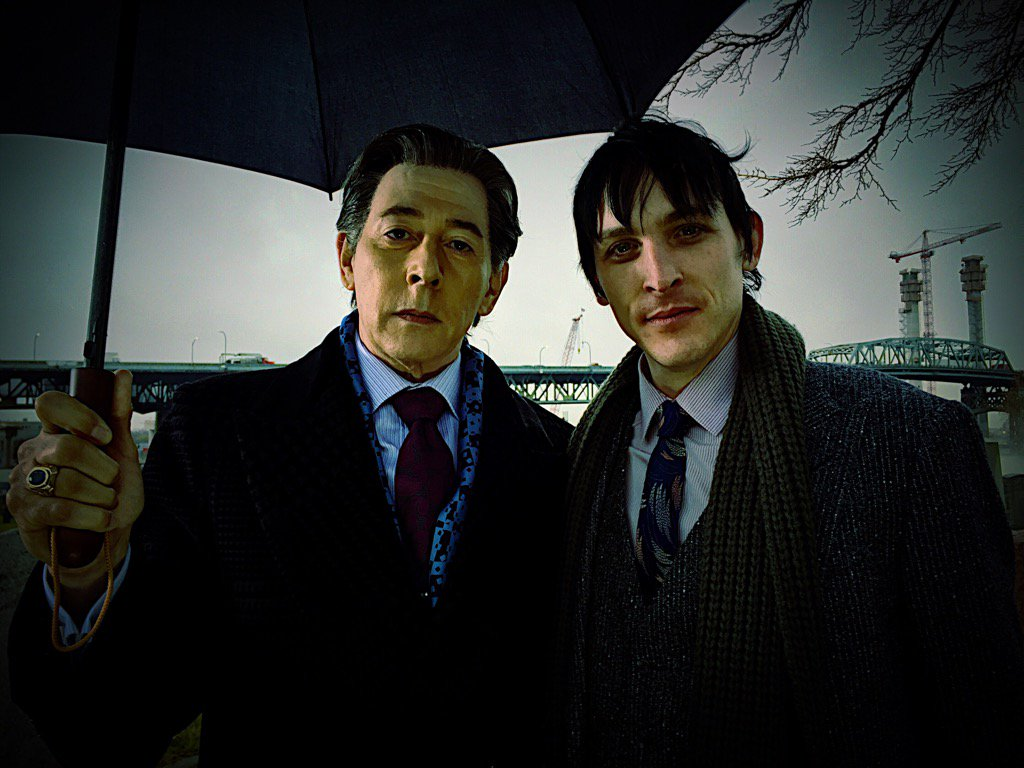 Gotham Image Provides First Look At Paul Reubens As The Penguin's Father