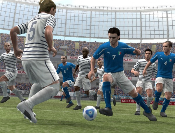Pro Evolution Soccer 2012 Dribbles Onto PS2, Wii And PSP