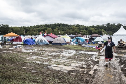 photos-of-the-mud-soaked-mess-that-was-tomorrowworld-2015-body-image-1443481514