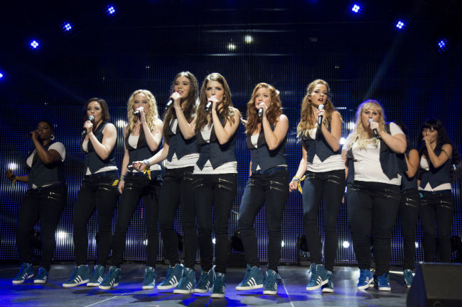 pitch-perfect-2-cast1