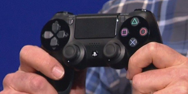 playstation 4 dualshock 4 640x321 [Update] Sony Officially Announces PlayStation 4, Launches This Year