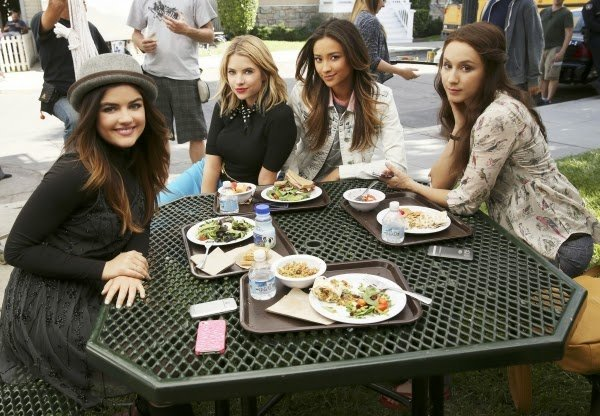 "Pretty Little Liars Review: ""Thrown From The Ride"" (Season 5, Episode 4)"