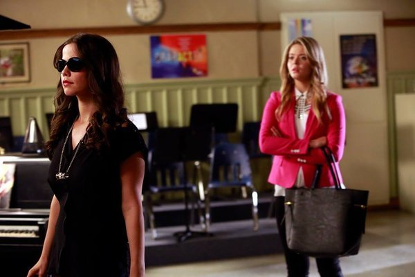 "Pretty Little Liars Review: ""March Of Crimes"" (Season 5, Episode 9)"
