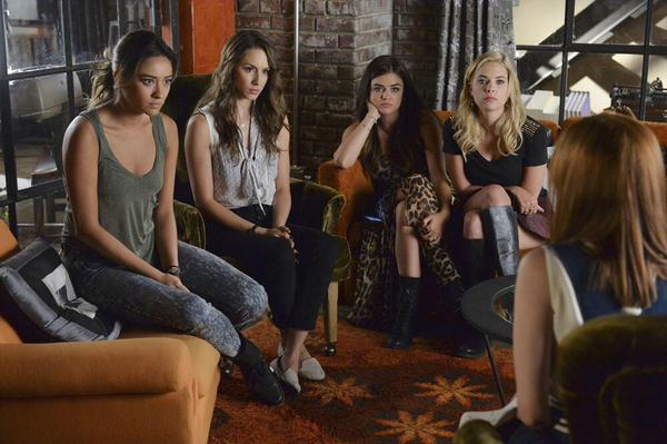 """Pretty Little Liars Review: """"Oh, What Hard Luck Stories They All Hand Me"""" (Season 5, Episode 18)"""