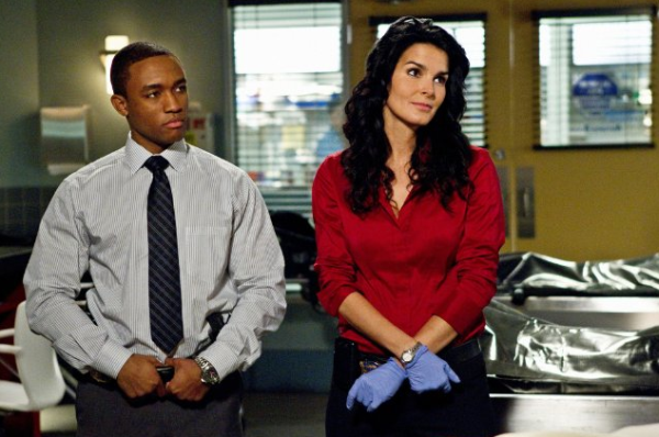 "Rizzoli & Isles Review: ""What Doesn't Kill You"" (Season 3, Episode 1)"