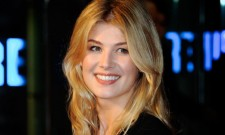 Mike Newell's Adaptation Guernsey Eyes Rosamund Pike For Lead Role