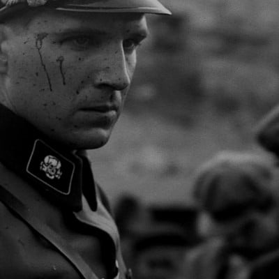'10 Times Steven Spielberg Went Really F***ing Dark' from the web at 'http://cdn.wegotthiscovered.com/wp-content/uploads/schindlers-list-ralph-fiennes-400x400.jpg'