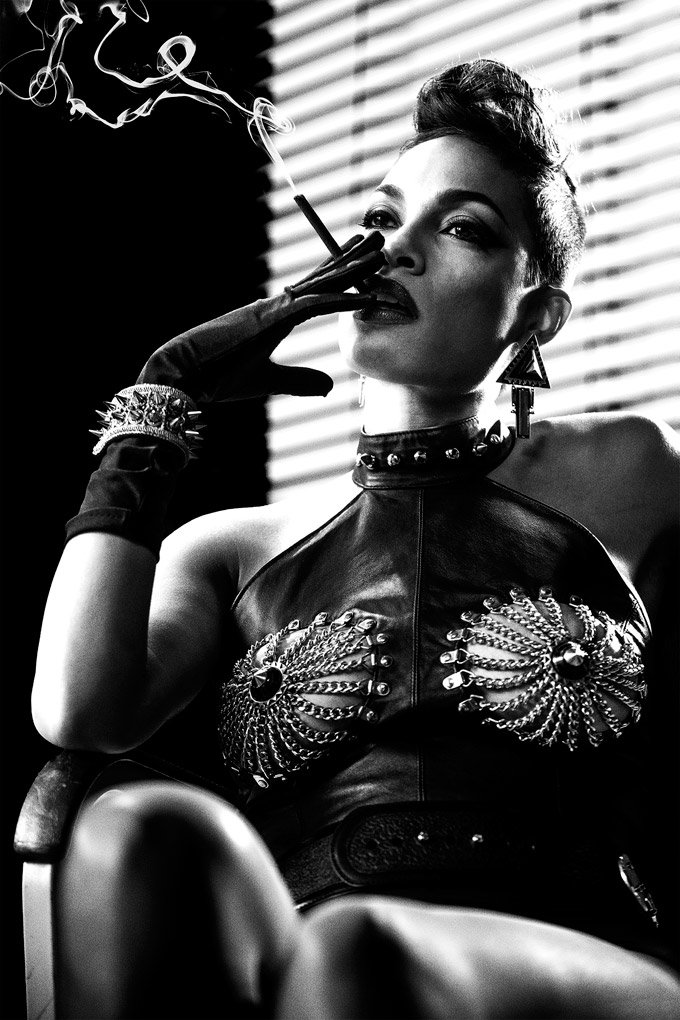 Jessica Alba Goes Crazy In Sin City: A Dame To Kill For Clip, Plus New Photos
