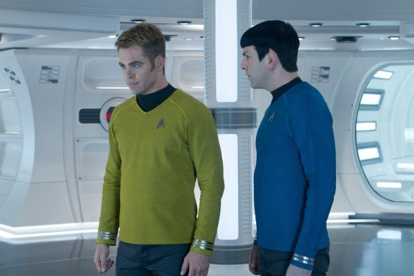Star Trek Beyond Trailer To Arrive With Star Wars: The Force Awakens