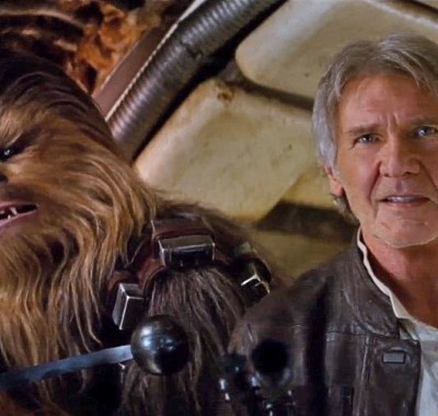 '8 Of The Craziest Star Wars: The Force Awakens Fan Theories' from the web at 'http://cdn.wegotthiscovered.com/wp-content/uploads/star-wars-force-awakens-trailer-01-400x380.jpg'