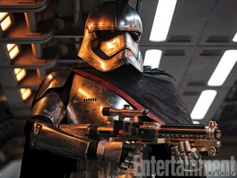 star-wars-the-force-awakens-captain-phasma-600x450