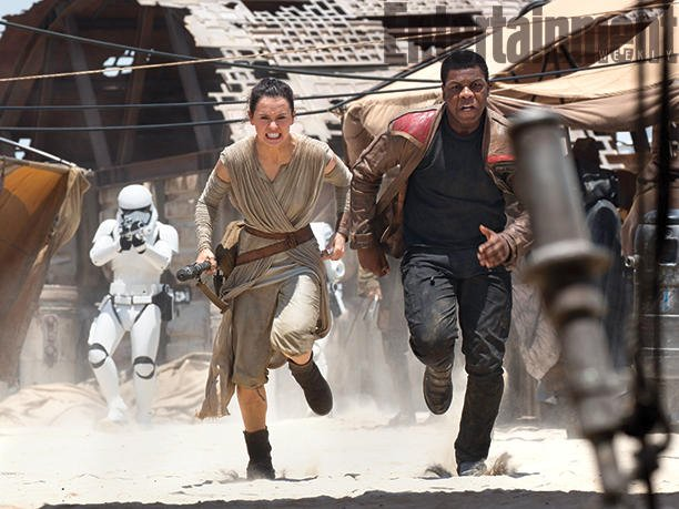 Kathleen Kennedy Reveals How She Secured J.J. Abrams For Star Wars: The Force Awakens As A Dozen Screenshots Debut