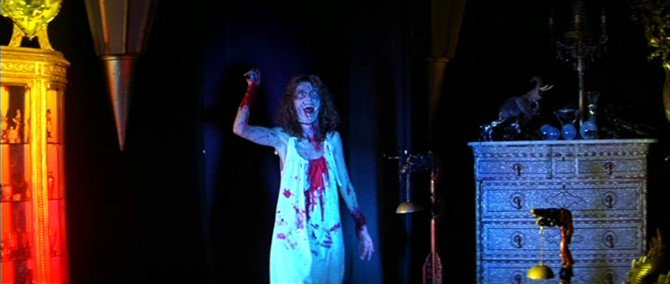 suspiria-barbed-wire-corpse