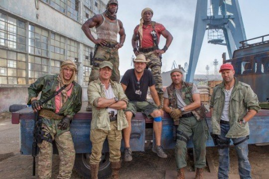 Old Dudes Shoot Big Guns In New Pics From The Expendables 3