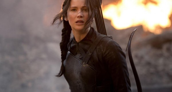 the-hunger-games-mockingjay-part-1-jennifer-lawrence-600x421