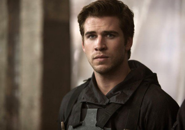 the-hunger-games-mockingjay-part-1-liam-hemsworth-600x421