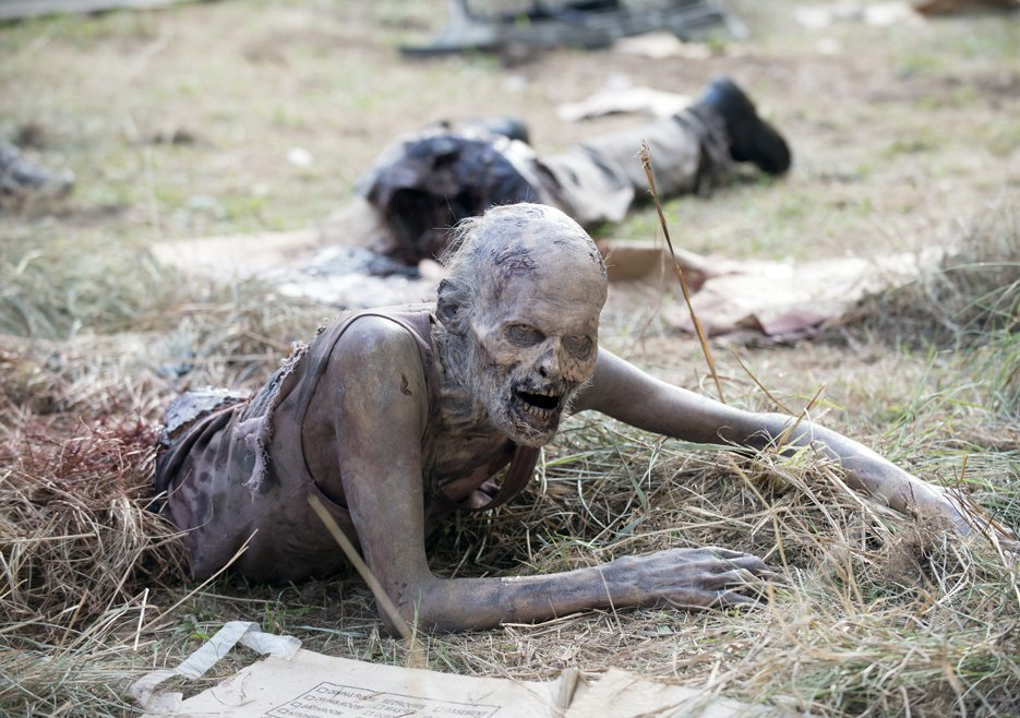 the-walking-dead-episode-506-walker
