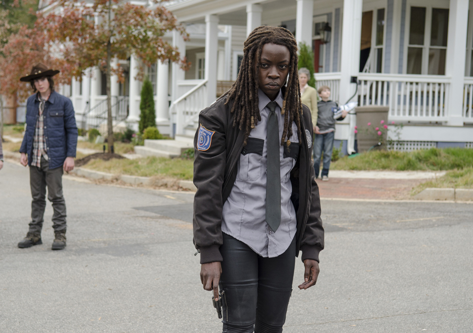 the-walking-dead-episode-515-michonne-gurira-935