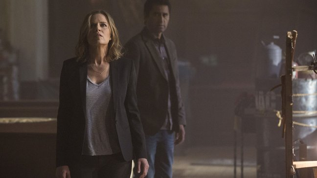 "Fear The Walking Dead Billed As A ""Parallel Story"" Rather Than Prequel"