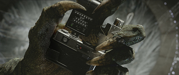 The Lizard Makes His Official Debut In Stills From The Amazing Spider-Man