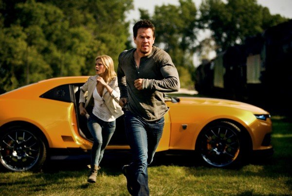 transformers-4-age-of-extinction-mark-wahlberg-nicola-peltz-600x403