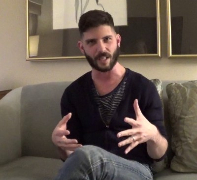 'Exclusive Video Interview: Jonathan Levine Talks The Night Before' from the web at 'http://cdn.wegotthiscovered.com/wp-content/uploads/vlcsnap-2015-11-17-21h09m19s773-400x366.jpg'