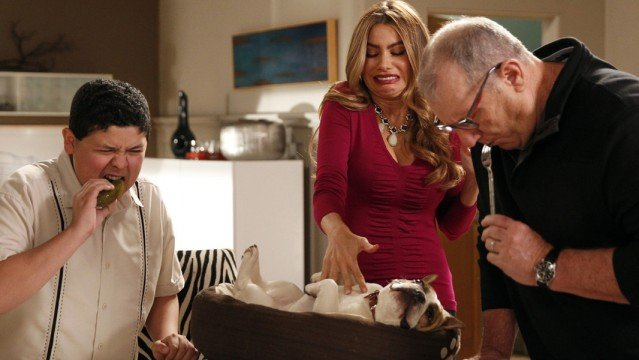 zap-modern-family-season-5-episode-22-message--008